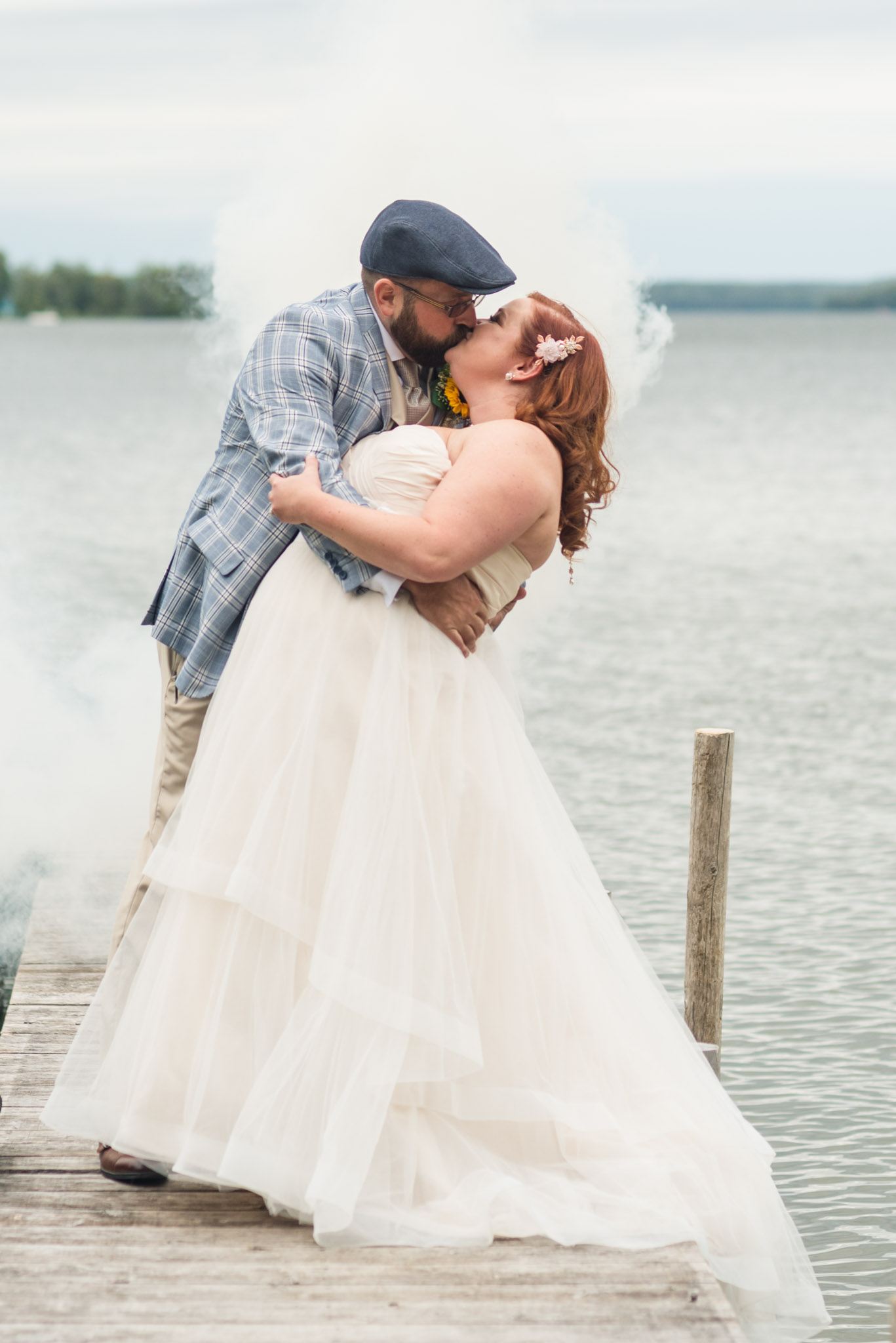 wedding smoke bomb pictures