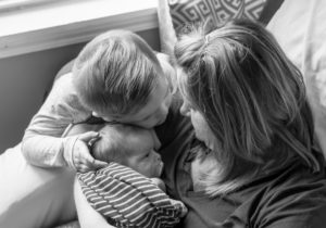 siblings, newborn, newborn baby, enjoy the vu photography, veronica urbaniak, lifestyle photography, family photos, newborn session, big brother