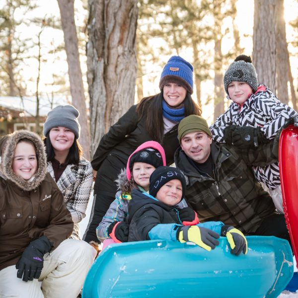 6 Tips For Planning A Winter Family Photo Session