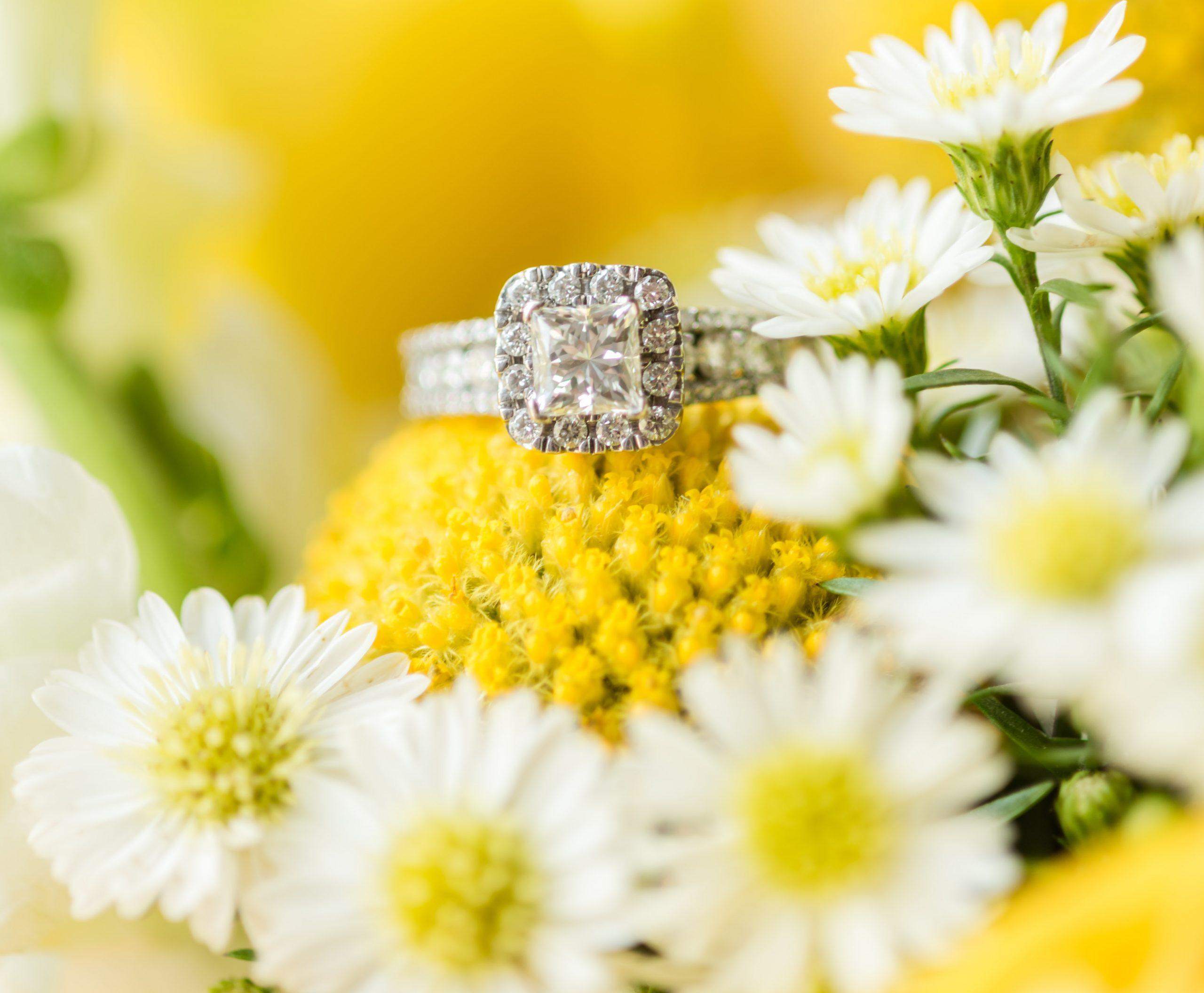 Yellow summer wedding bouquet, upper peninsula wedding, upper peninsula wedding photographer
