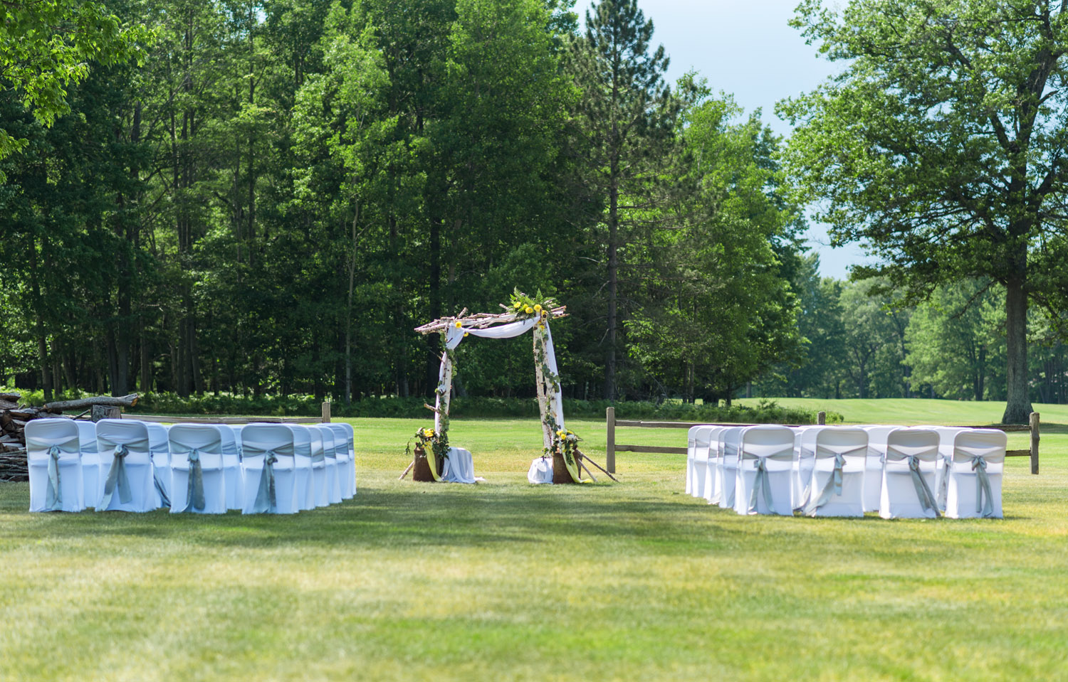 planning an outdoor wedding upper peninsula michigan